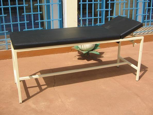 Lit d'hospitalisation