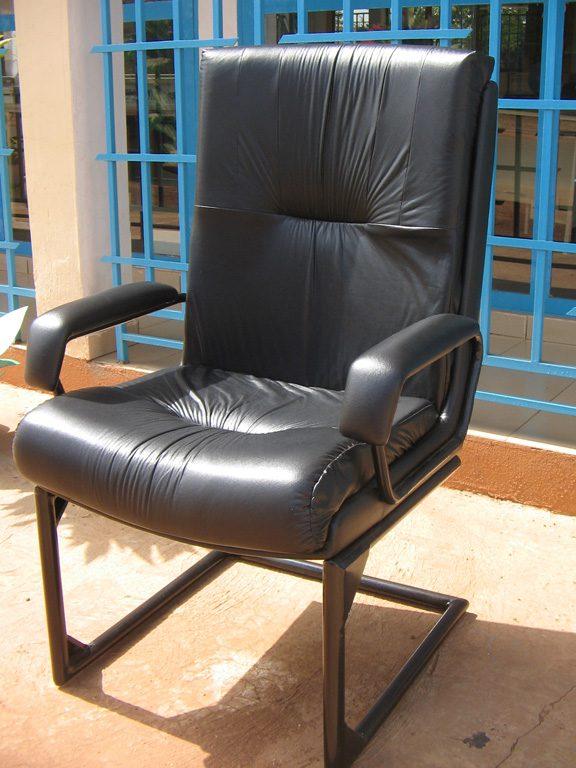 043-fauteuil-visiteur-pour-directeur