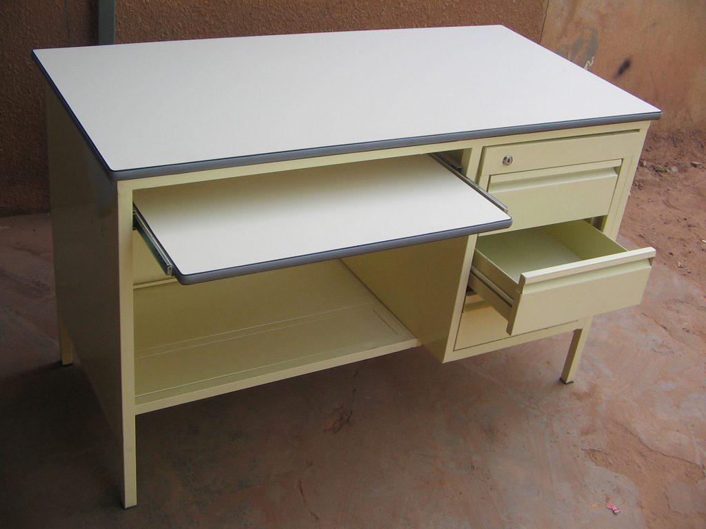 bureau-simple-13