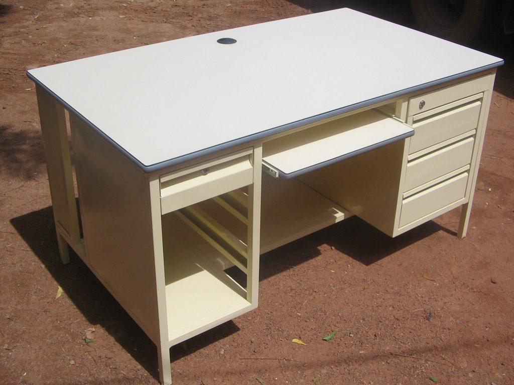 bureau-simple-32