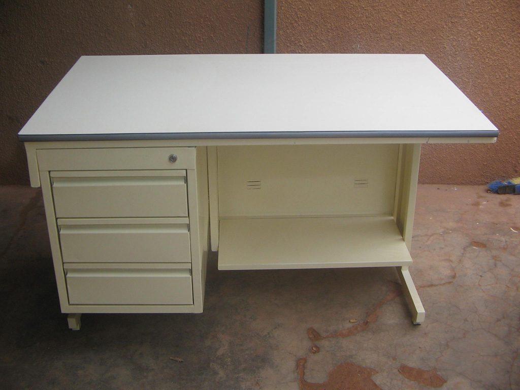 bureau-simple-36